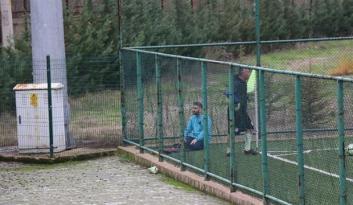 Maç öncesi namaz kılan futbolcu!